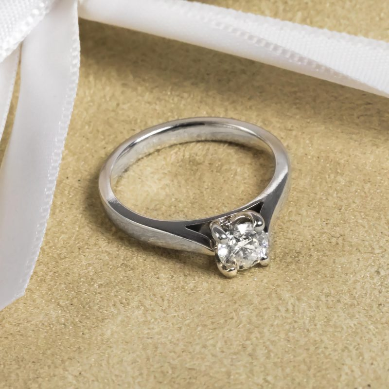 Shop Pre-Owned Diamond Rings - Order Online Today For Next Day Delivery