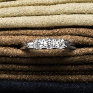 Shop Pre-Owned Gold Diamond Rings - Order Online Today For Next Day