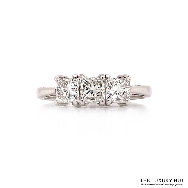 Shop Pre-Owned Diamond Engagement Rings - Order Online Today For Next Day Delivery - Sell Or Part Exchange Your Diamond Jewellery At The Luxury Hut London