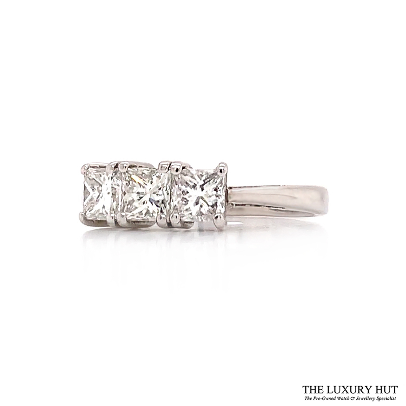 Shop Pre-Owned Diamond Engagement Rings - Order Online Today For Next Day Delivery - Sell Or Part Exchange Your Diamond Jewellery At The Luxury Hut
