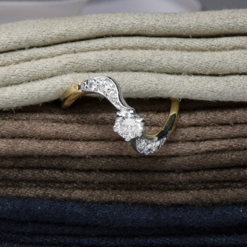 Shop 18 Gold & Platinum Diamond Rings - Order Online Today for Next Day