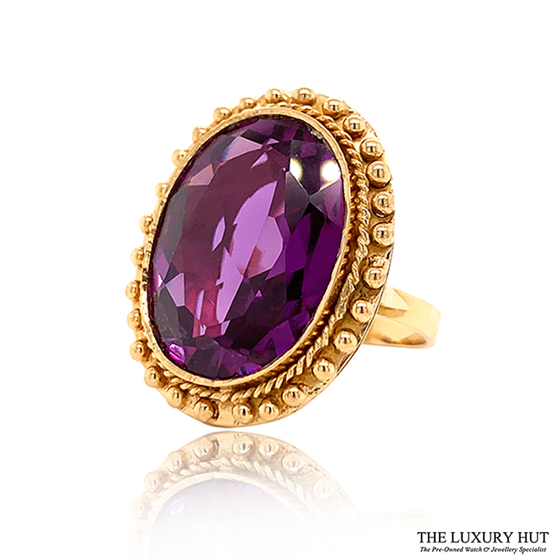 Shop 18ct Yellow Gold Certified Synthetic Colour Change Sapphire Dress Ring - Order Online Today For Next Day Delivery - Sell Your Jewellery To The Luxury Hut