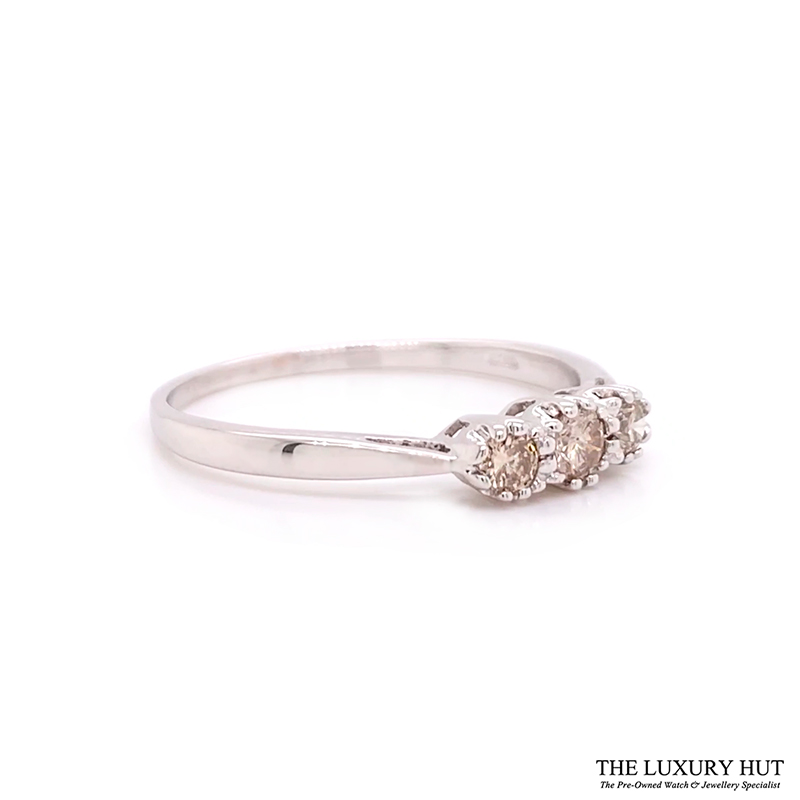 Shop 18ct White Gold 0.25ct Trilogy Ring