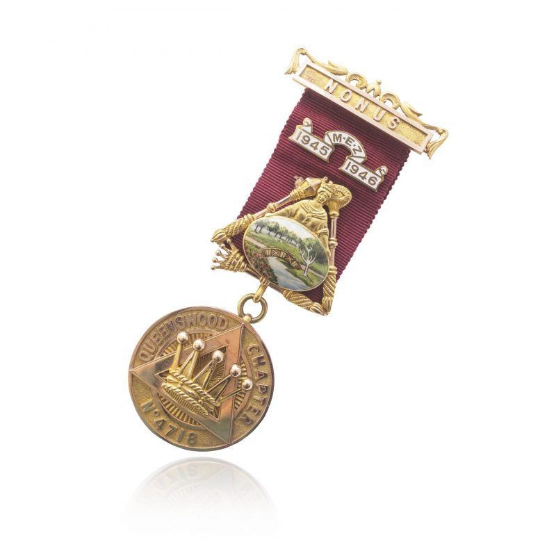 9Ct Yellow Gold Vintage Queenswood Chapter Masonic Medal - Order Online Today