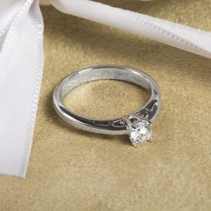Shop Pre-Owned Certified Diamond Rings - Order Online Today For Next Day Delivery
