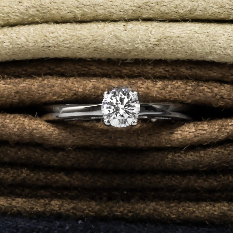 Shop Pre-Owned Certified Diamond Rings - Order Online Today For Next Day