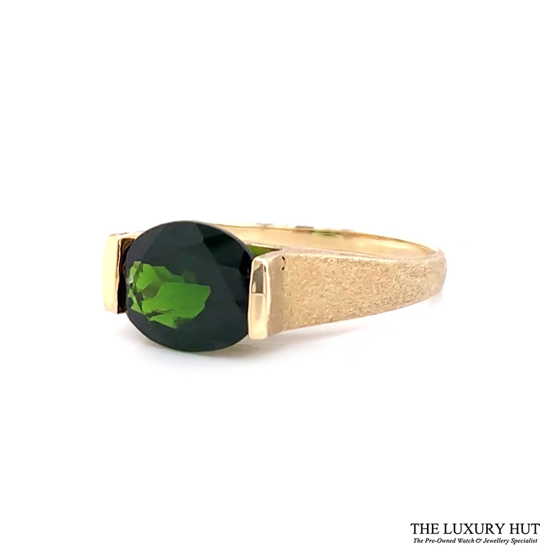 9ct Yellow Gold Diopside Solitaire Dress Ring Ref 24103 Order Online Today For Next Day Delivery - Sell Your Gold Ring To The Luxury Hut