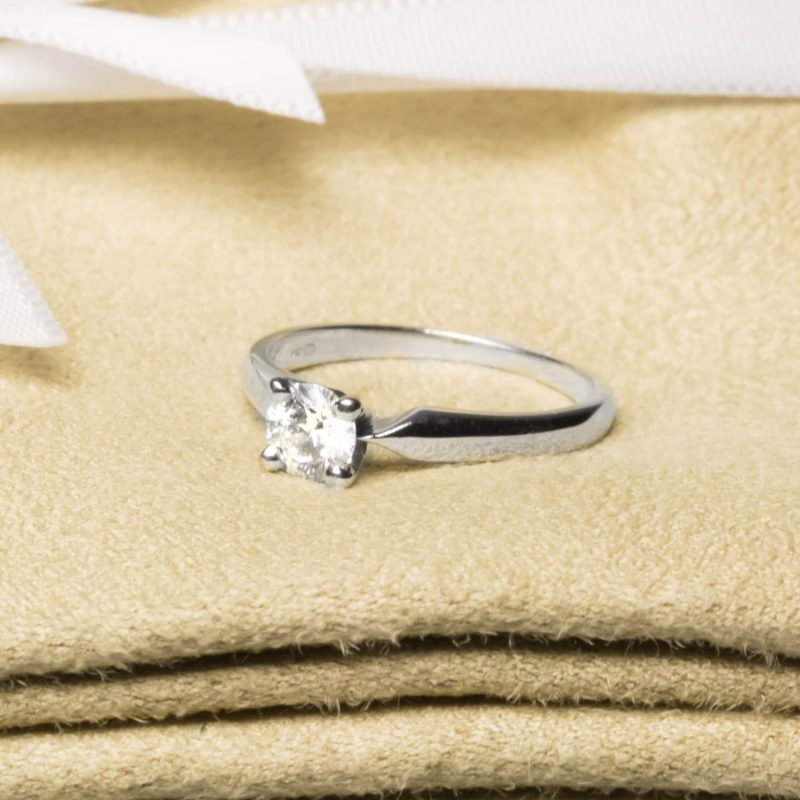 Shop Pre owned Diamond Engagement Rings - Order Online Today