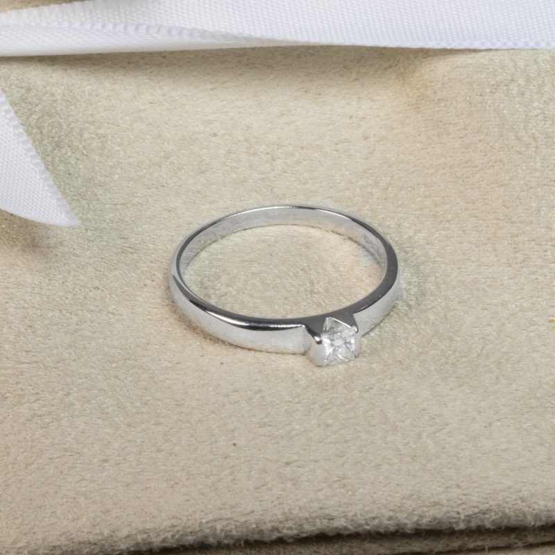 Shop 18ct Gold Princess Cut Diamond Ring - Order Online Today Delivery
