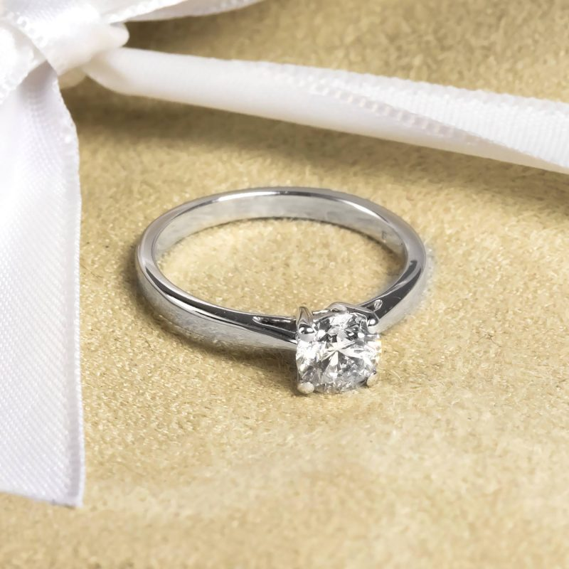 Shop Brand New Certified Diamond Rings - Order Online Today For Next Day Delivery - Sell Old Diamond Jewellery To The Luxury Hut