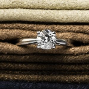 Shop Brand New Certified Diamond Rings - Order Online Today For Next Day Delivery - Sell Old Diamond Jewellery To The Luxury Hut London