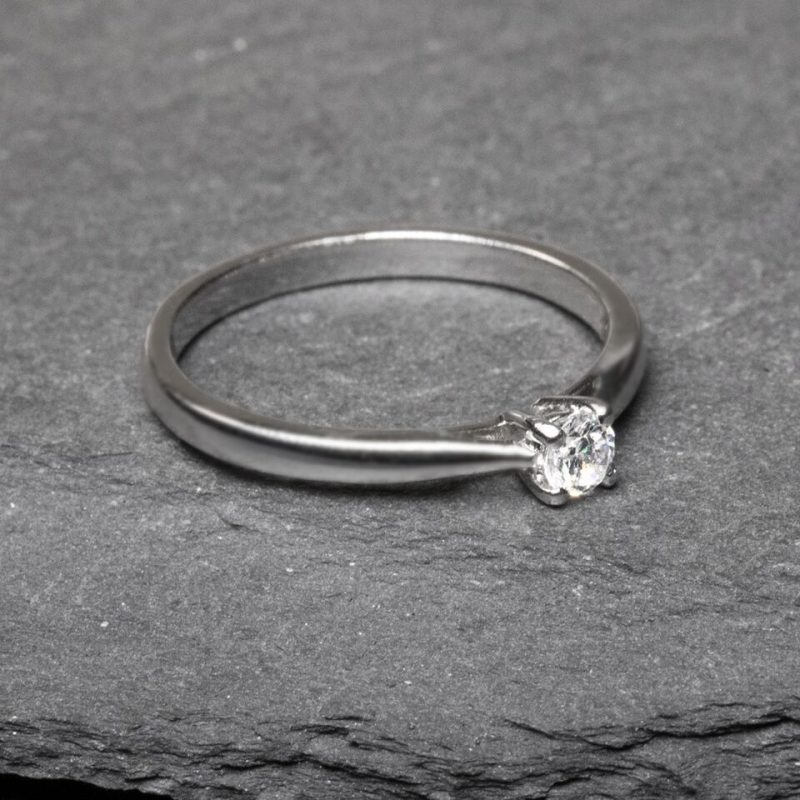 Shop 18ct White Gold Diamond Engagement Ring - Order Online Today