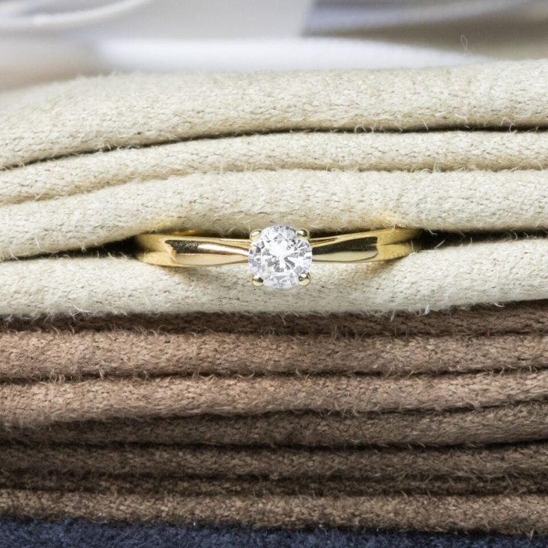 Shop Stunning Collection Of Diamond Engagement Rings - Order Online Today For Next Day